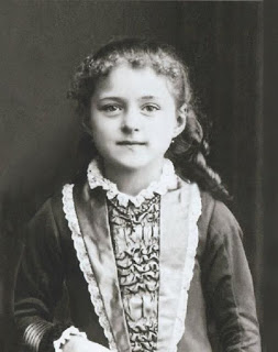 This image has an empty alt attribute; its file name is 2ce1b-st-therese-lisieux.jpg